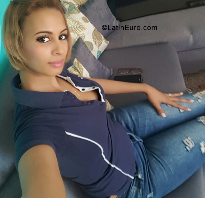 Live chat Suge, female, 35, Dominican Republic girl from